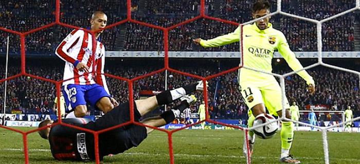 Neymar de frente para o gol